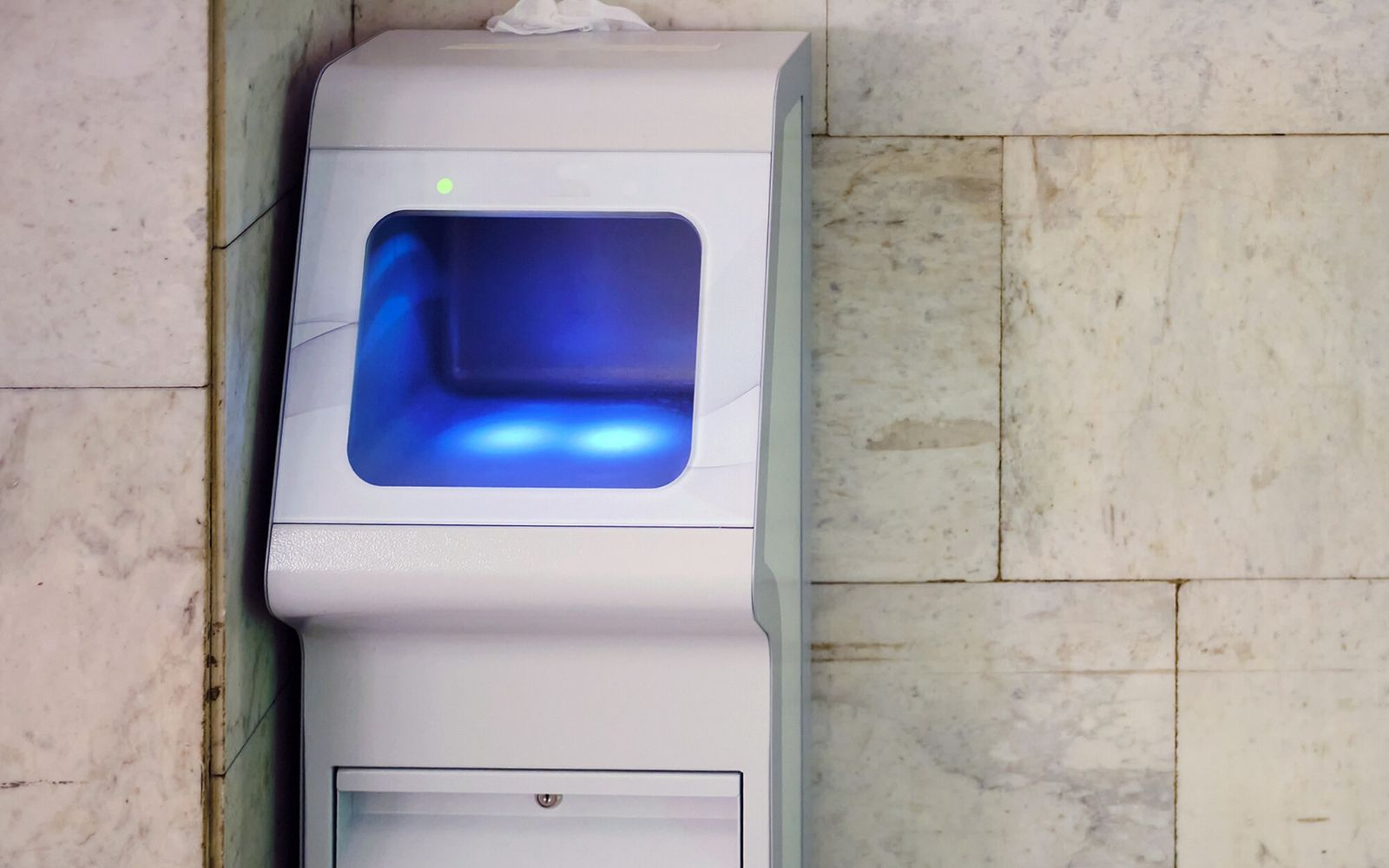 A UV Cleansing Station